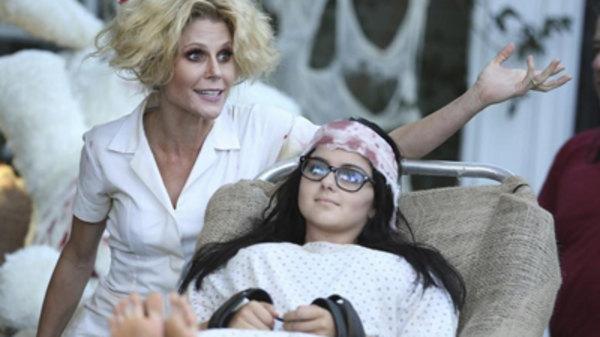 Modern Family S06E06 - Halloween 3 AwesomeLand